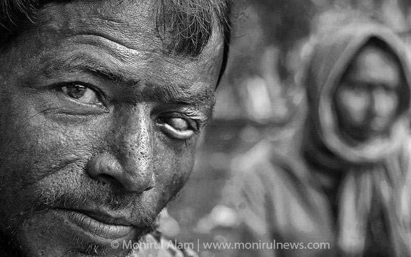 There are thousands of addicted people in Bangladesh and most of them are young, between the ages of 18 and 30 from all walks of life. A addict said, My life is like dog life, I am just waiting for death. Dhaka. © Monirul Alam