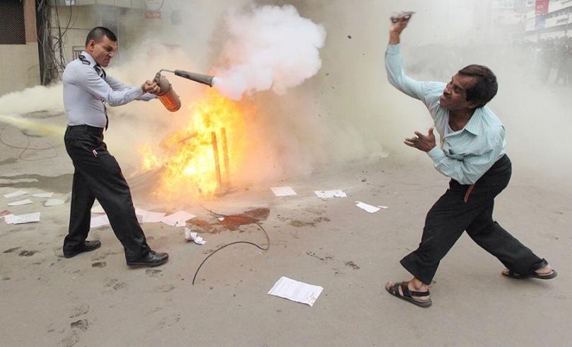 Demo in Motijheel against stocks fall in Bangladesh